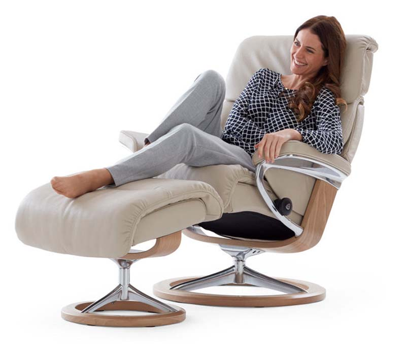 Capri recliner Signature base, paloma light grey