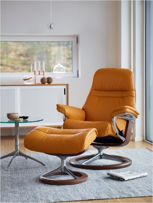 Sunrise recliner, signature base cori mustard